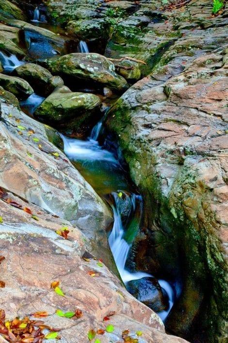 creek through rocks in utah